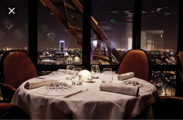 Le Jules Verne, the restaurant atop Eiffel tower