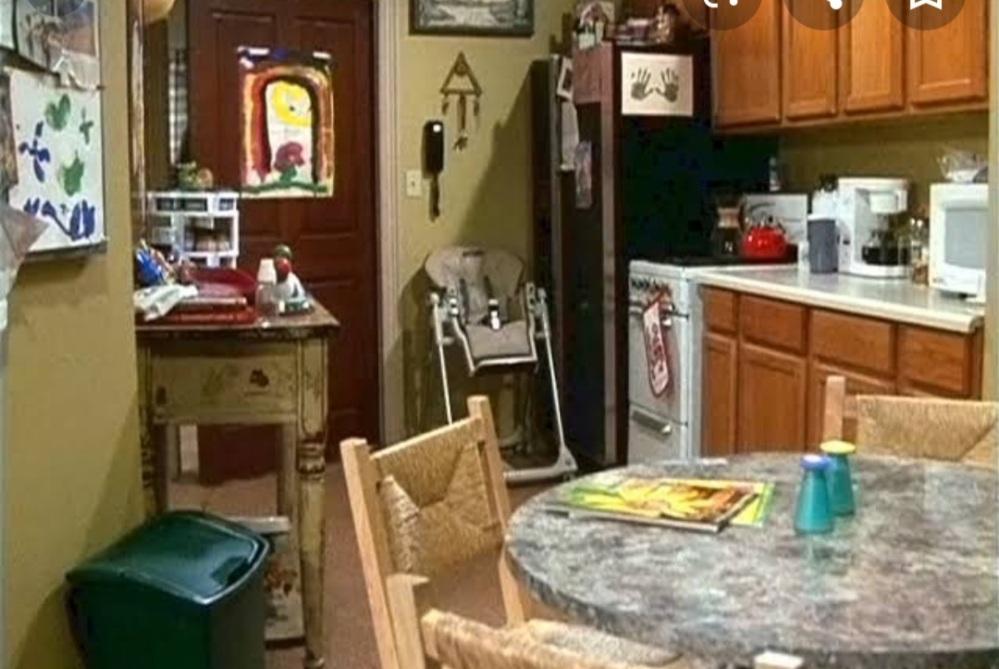 Friends Ross Geller kitchen apartment