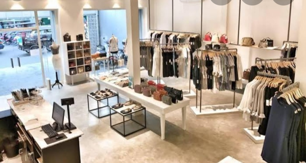 Fashion and apparel store decor ideas