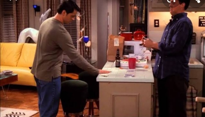 Joey Tribbiani and Chandler Bing playing games in living room. Best moments of Jandler and Chanoey in Friends