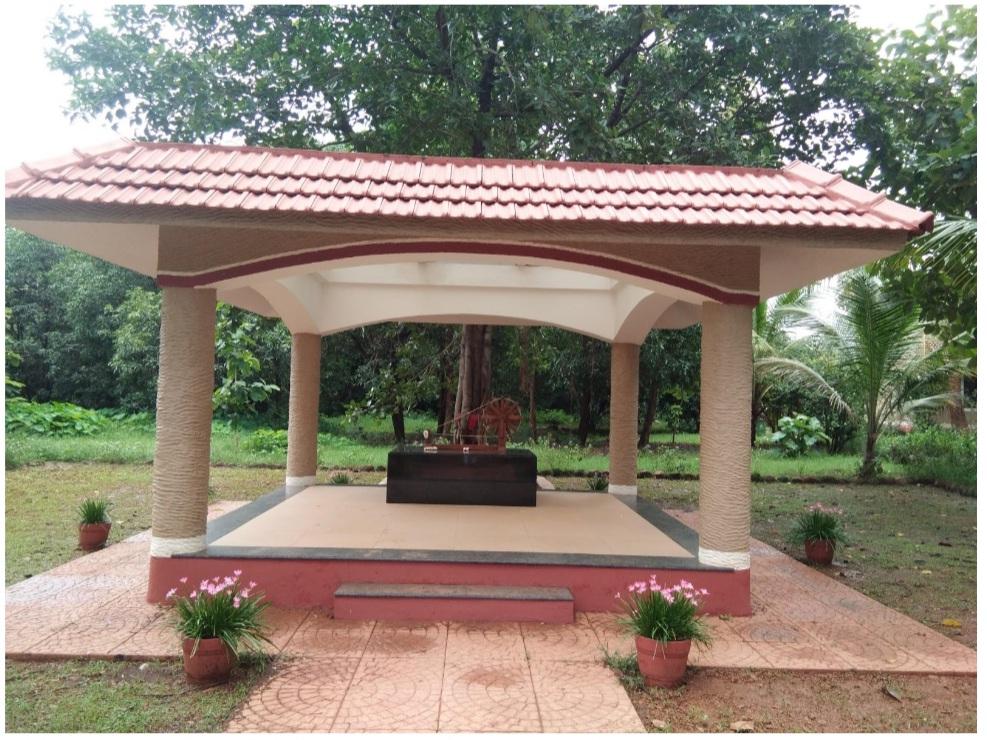 Search Shodhgram Gadchiroli Gandhi charkha image